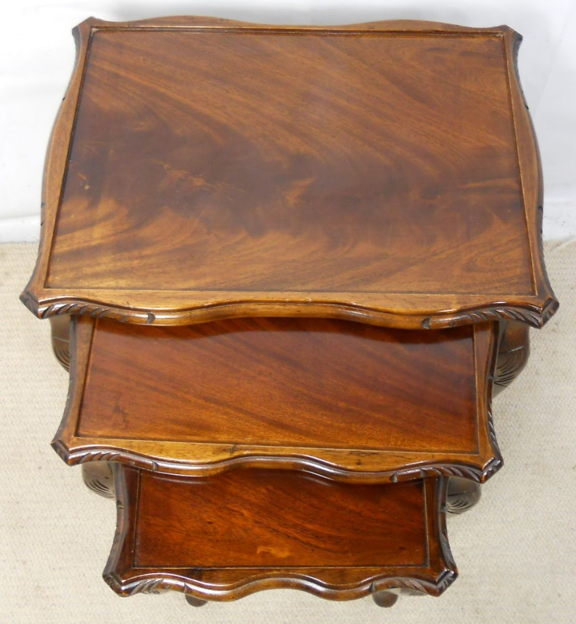 Mahogany Nest Of Three Queen Anne Style Coffee Tables